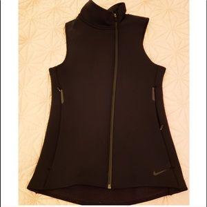 Nike Therma-Fit Asymmetrical Scuba Vest